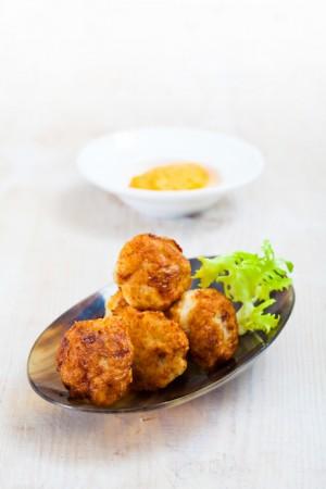 03057 bolitas de pescado con salmorejo